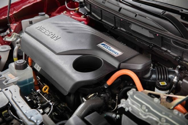 2017-nissan-rogue-hybrid-sl-engine-bay