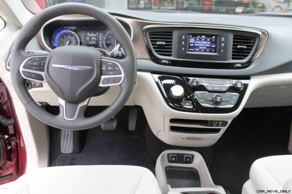 Review: 2017 Chrysler Pacifica Touring