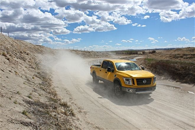 2016-nissan-titan-xd-vs-ram-power-wagon-dust