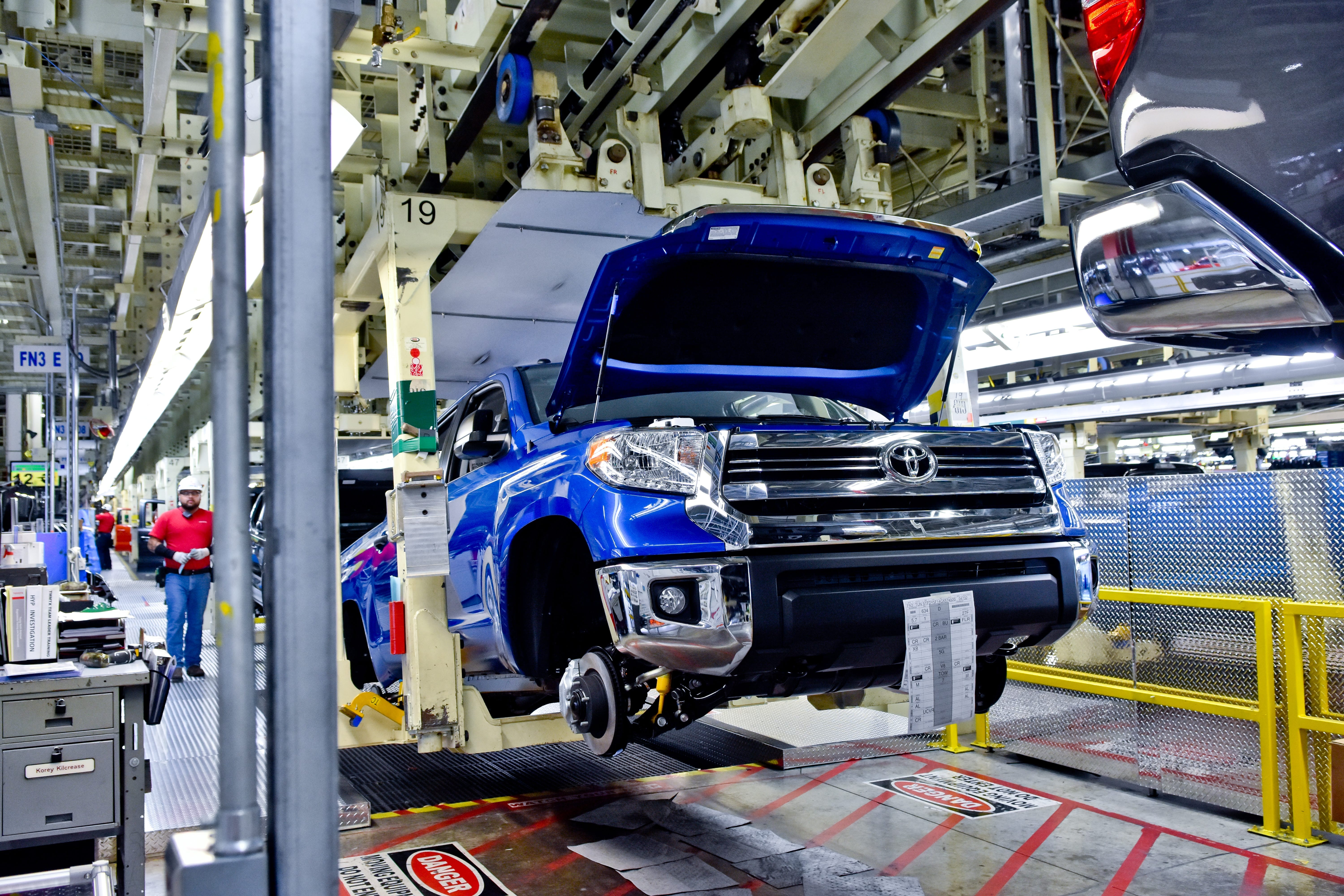 371865 Toyota Manufacturing Plant San Antonio Texas additionally Suzuki Esteem Engine Isuzu Pup further Toyota Truck Slide Continues But Sa Leaders Still likewise P Hayden Pa tiere Alfred Mann Foundation Gala 1823 20514 further Toyota Locations In The Us. on toyota tundra manufacturing plant