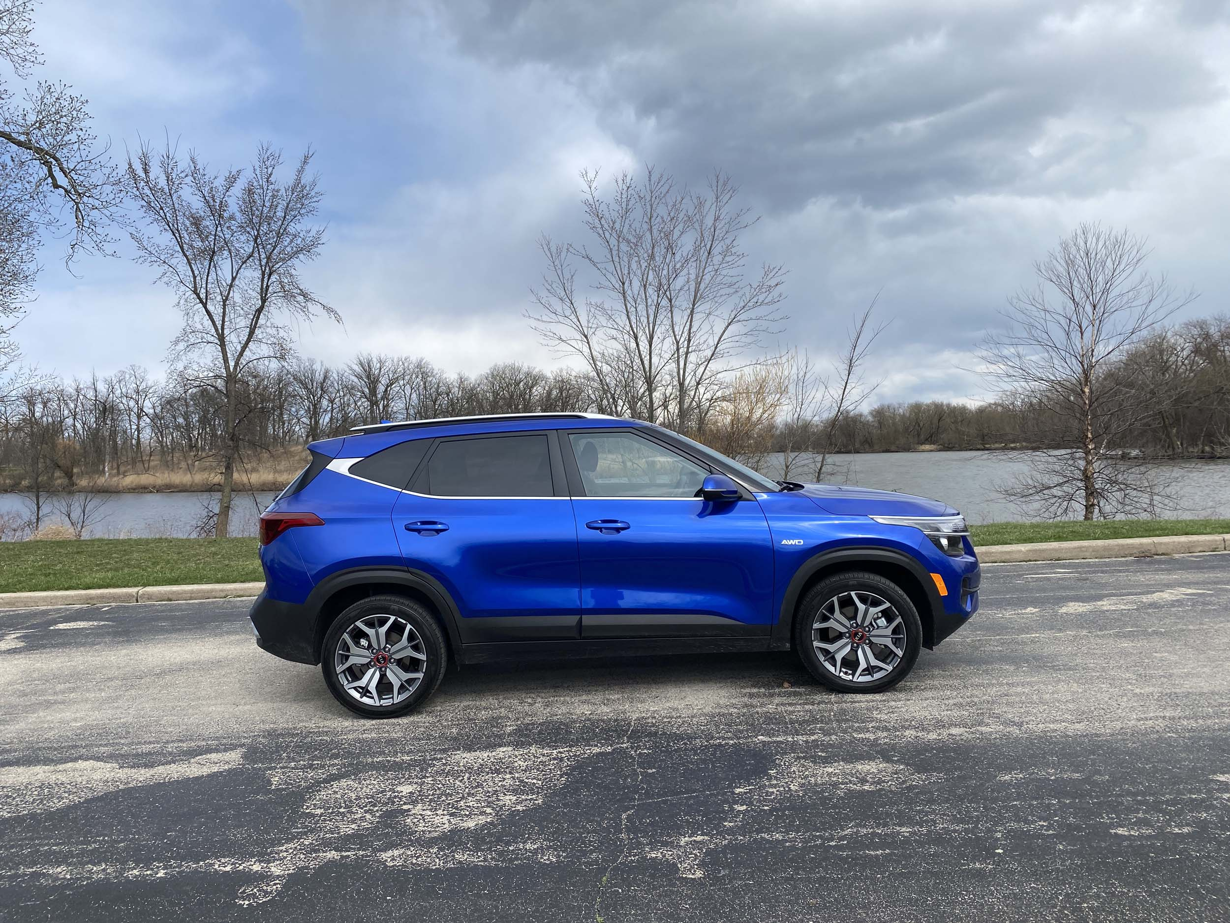 2021 kia seltos newest suv is good but not great